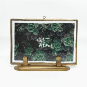 Bronzefarbener Bilderrahmen mit Doppelglas von Madam Stoltz